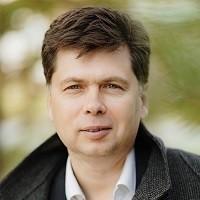 Максим Шарапов